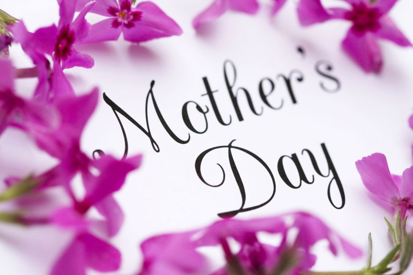 Treat your mother this mothers day with our special Mothers Day menu. Come sample our delights at Harbour Lights